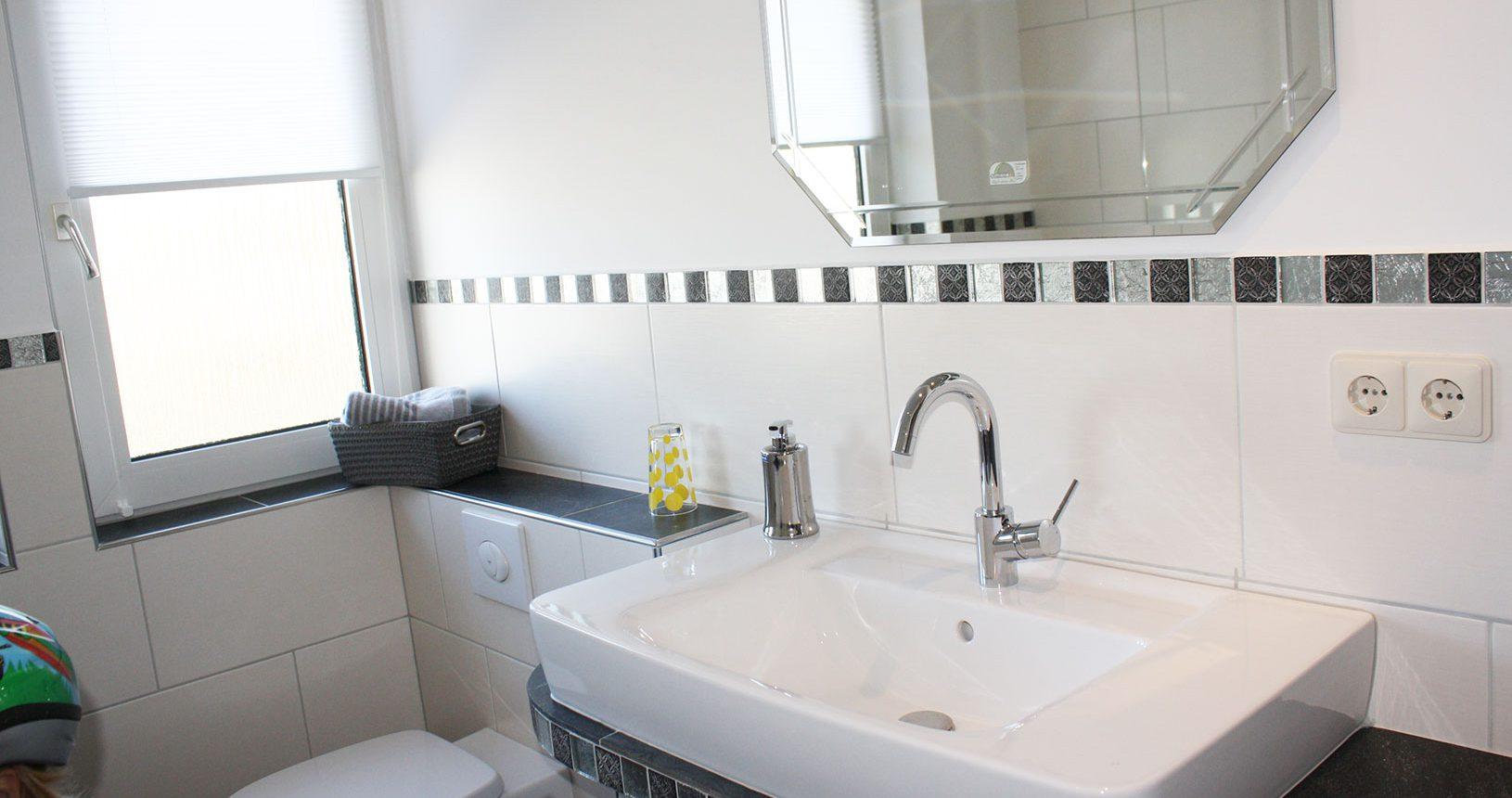 Badezimmer in Ferienwohung auf dem Heeser Spargelhof
